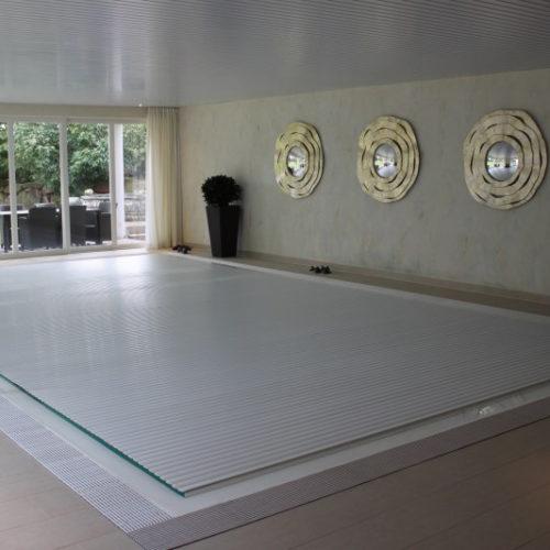 Referenzbild Hallenbad mit Abdeckung von Pro Pool