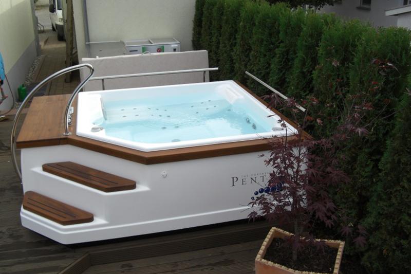 Referenzbild eines Whirlpools von Pro Pool