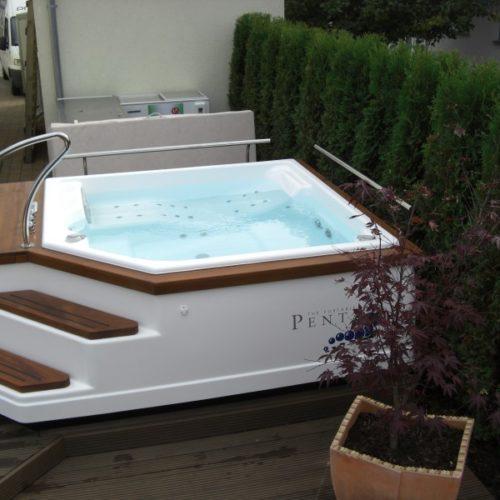 Whirlpool von Pro Pool in Dreiech